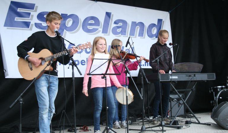 1. Band fra Klettsno 4H. Alexander Magdalena Synne og Oline