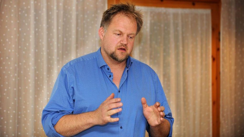 INNSTILLER TIL JA: Rådmannens innstilling til kommunestyret er at de innvilger Bjørn Dæhlies søknad om å fjerne et punkt i kjøpsavtalen for tomta på Steimosletta. Arkivfoto: Ivar Thoresen.
