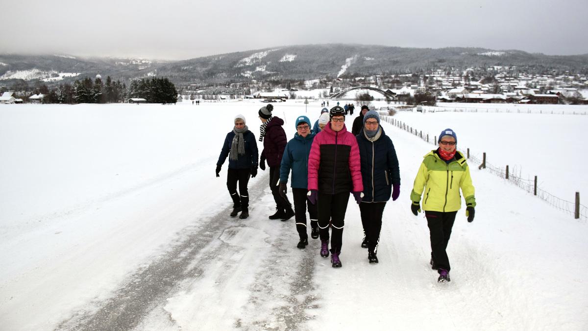 MANGE SPREKINGER: 51 turgåere deltok på årets første tur.
