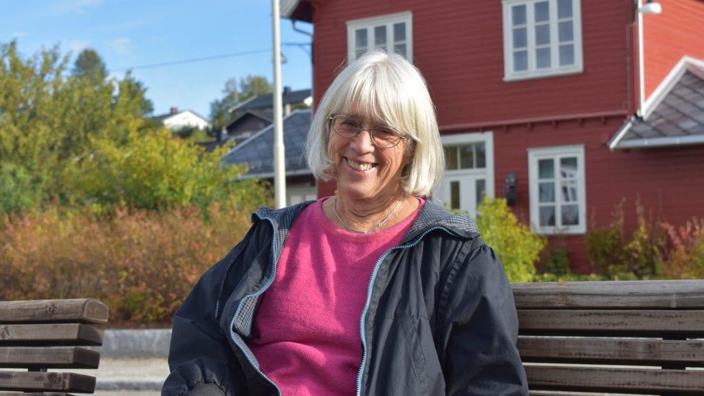 PÅRØRENDEKUR: Karin Platou, leder for demensforeningen i Alvdal, ønsker alle velkommen til pårørendekurs på Frivilligsentralen Foto: Torstein Sagbakken.