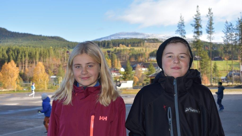 BLIR STAS: Madelen Mikkelsen og Jørgen Murud gruer seg ikke til de skal begynne på Sjulhustunet. Tvert om. De gleder seg stort. Foto: Torstein Sagbakken.