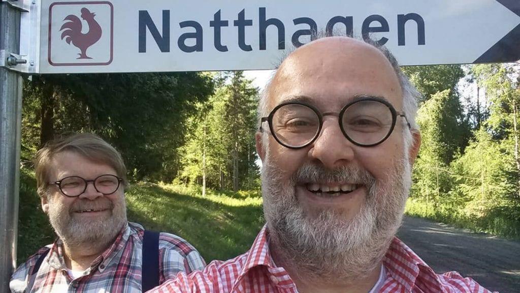 KREATIVE KARER: Trond Einar Solberg Indsetviken (bak) og Robert Khoury driver også kunstsenteret Natthagen i Elverum. Foto: privat