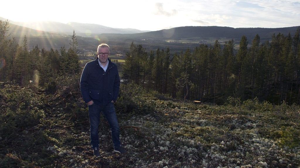 – GØRFINT: Gunnar Bråten er strålende fornøyd med hvordan feltet ble seende ut etter hogsten. Foto: Tore Rasmussen Steien