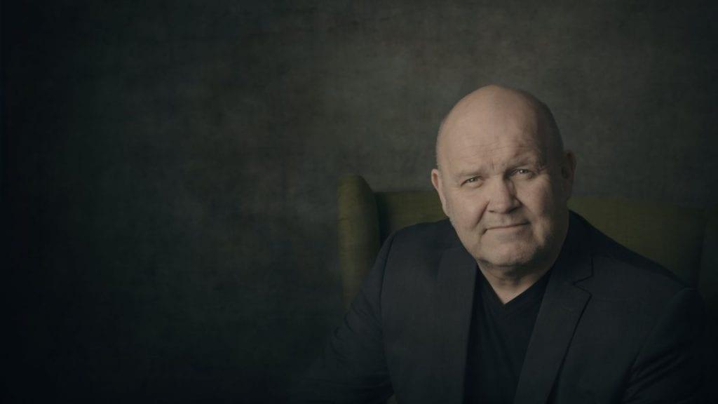 KOMMER TIL ALVDAL: Mandag kommer den folkekjære musikeren Guren Hagen til Alvdal og Nordihaugan for å synge julen inn.