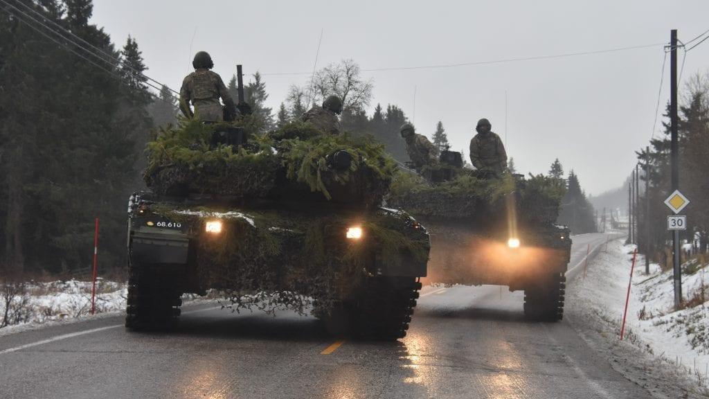 PÅ VEG HJEM: Nå er de fleste soldatene hjemme eller på veg hjem. Foto: Lars Hogstad