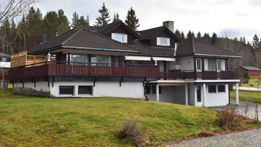 OVER FEM MILLIONER: Jan Inge Gjermundshaugs familiebolig i Smedgjelen 7 er ute til salgs for over fem millioner kroner. Foto: Torstein Sagbakken.