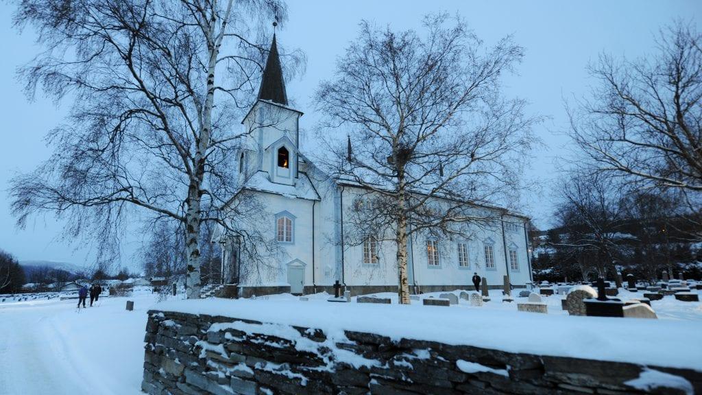 JULEFRED: Julefreden har senket seg over bygda vår. Alvdal midt i væla ønsker alle våre lesere en god jul og et godt nytt år. Foto: Ivar Thoresen