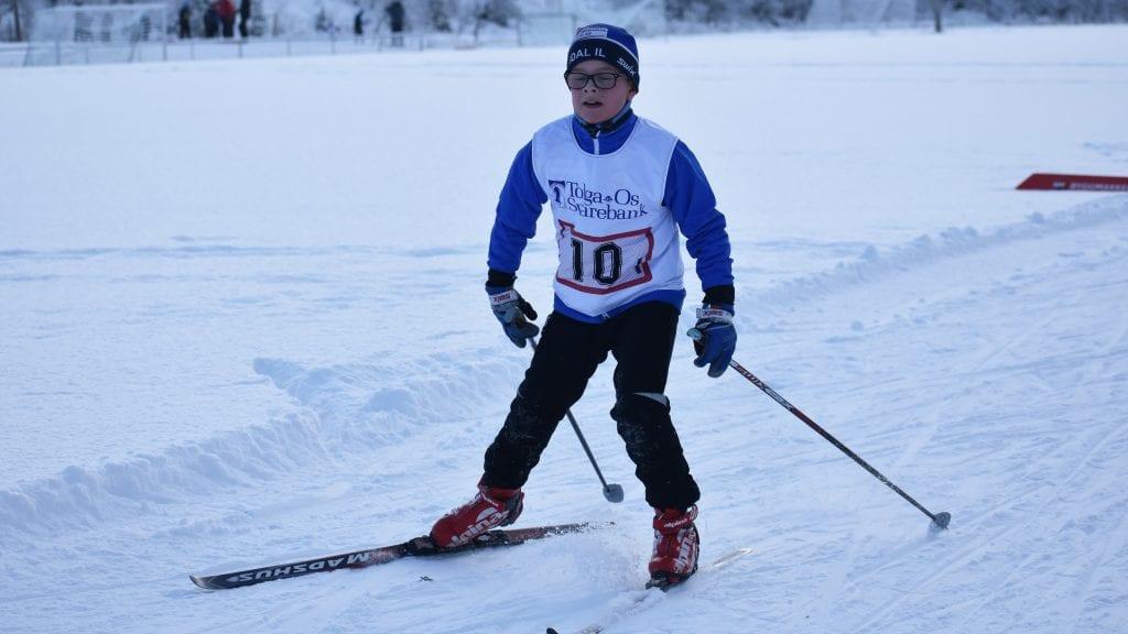 FULL GASS: Ola Neslund Øverland var en av alvdølene som ga full gass og leverte en flott etappe under årets Tolga-stafett. Foto: Torstein Sagbakken.