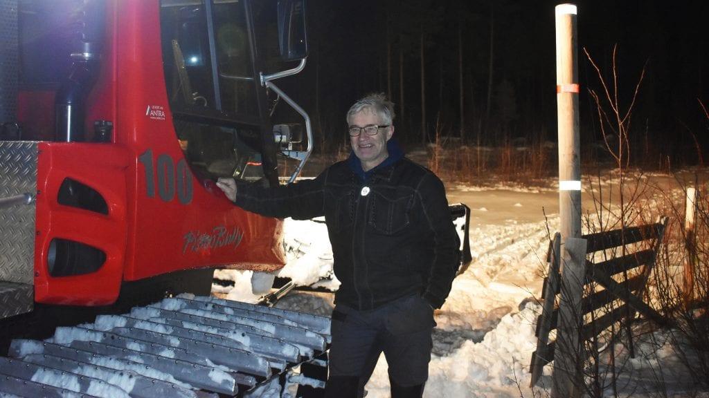 TIDLIG OPP: Audun Eggset ligger ikke på latsiden og er tidlig oppe for å kjøre skiløyper gjennom vinteren. Foto: Torstein Sagbakken.