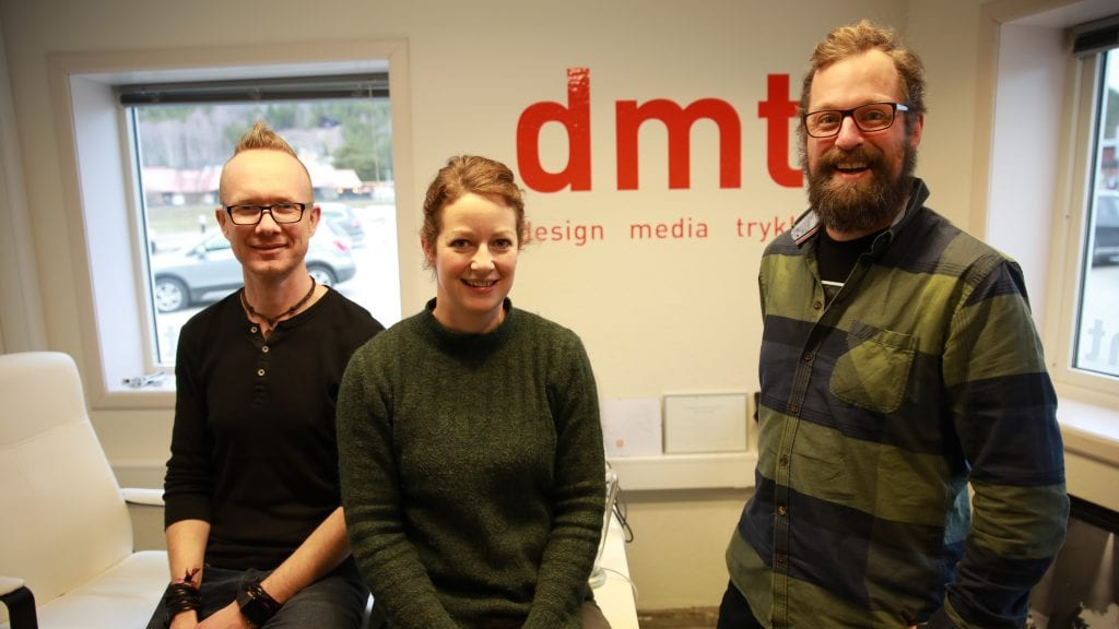 NYE ANSIKTER: Avdelingsleder i Skjåk, Tormod Sperstad (til venstre), er fornøyd med å ønske Merete Dagsgard og Edvard Mølmen velkommen på laget. Foto: Privat.