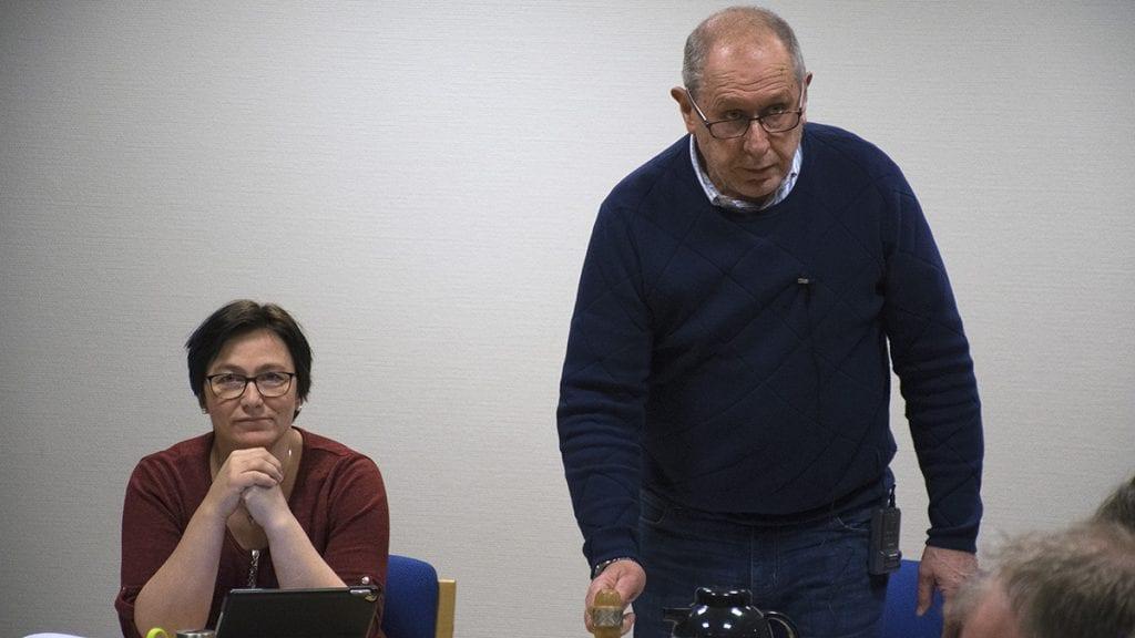 UENIG OM FORMULERING: Varaordfører Mona Murud skjønner hvorfor ordfører Johnny Hagen stilte spørsmålet, men er kritisk til måten han gjorde det på. Foto: Tore Rasmussen Steien