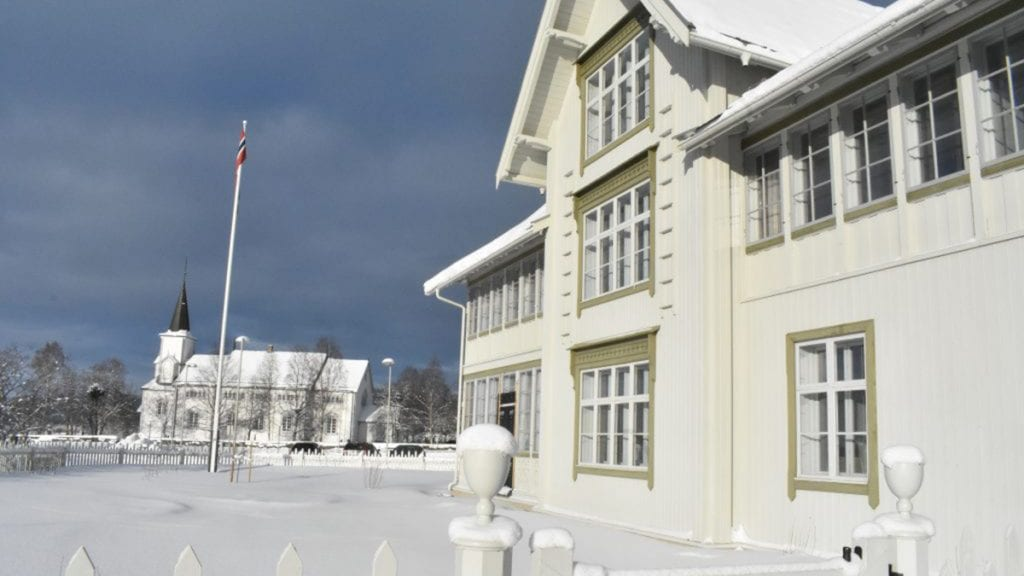 GLIMRENDE: Per Hvamstad mener hotellet er et glimrende eksempel på hva som er mulig. Foto: Torstein Sagbakken