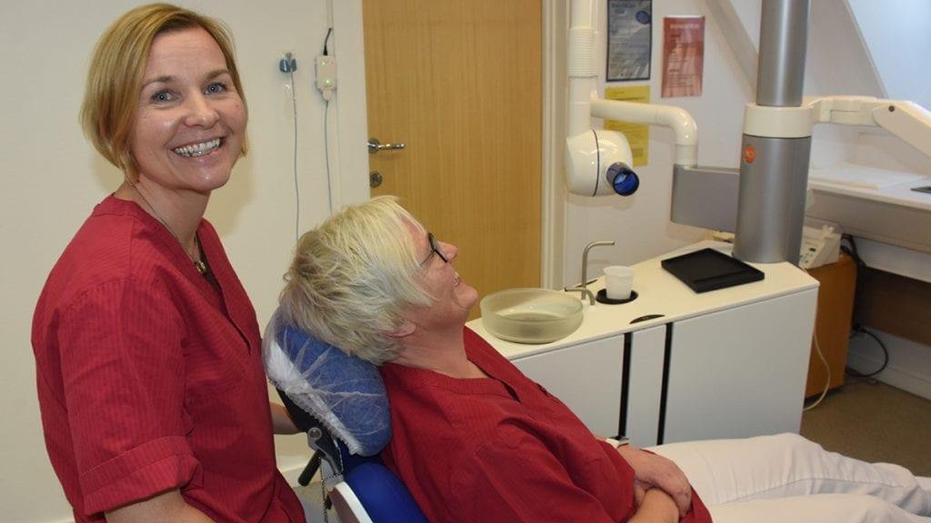 GLADMELDING: Tannlege Anne Gro Helgesens fokus på kjeveortoped-utdannelse fikk fylkespolitikerne til å åpne lommeboka. Nå bevilger de penger til en slik utdannelse, som alle kan søke på. Foto: Jan Kristoffersen