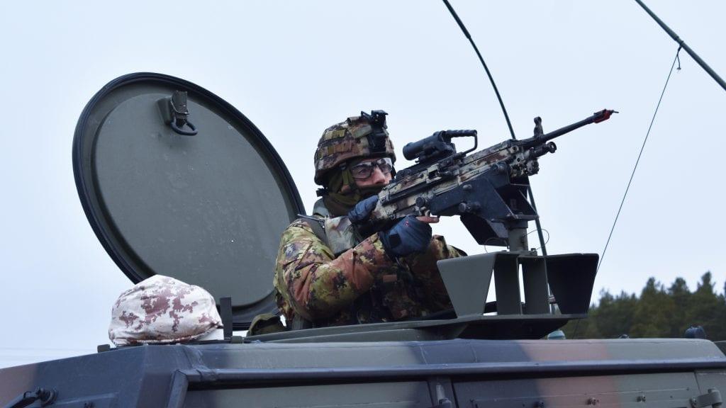 LA IGJEN PENGER: NATO-øvelsen i fjor høst la ifølge Forsvaret igjen over 14 millioner i Alvdal. Foto: Torstein Sagbakken.