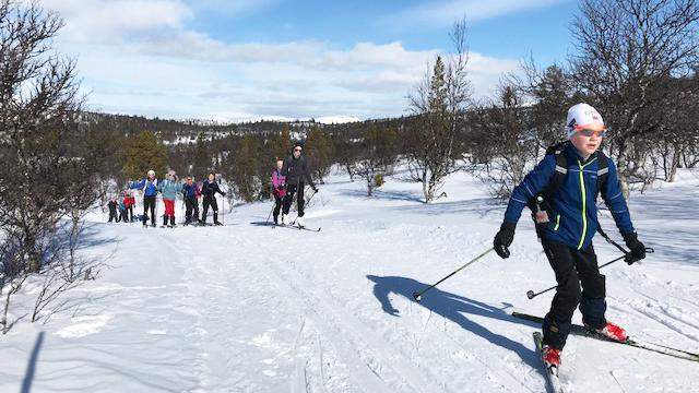 FIN TUR: Sjette- og sjuendetrinn hadde en flott skitur mandag og la bak seg omtrent 18 kilometer. Alle foto: Privat.