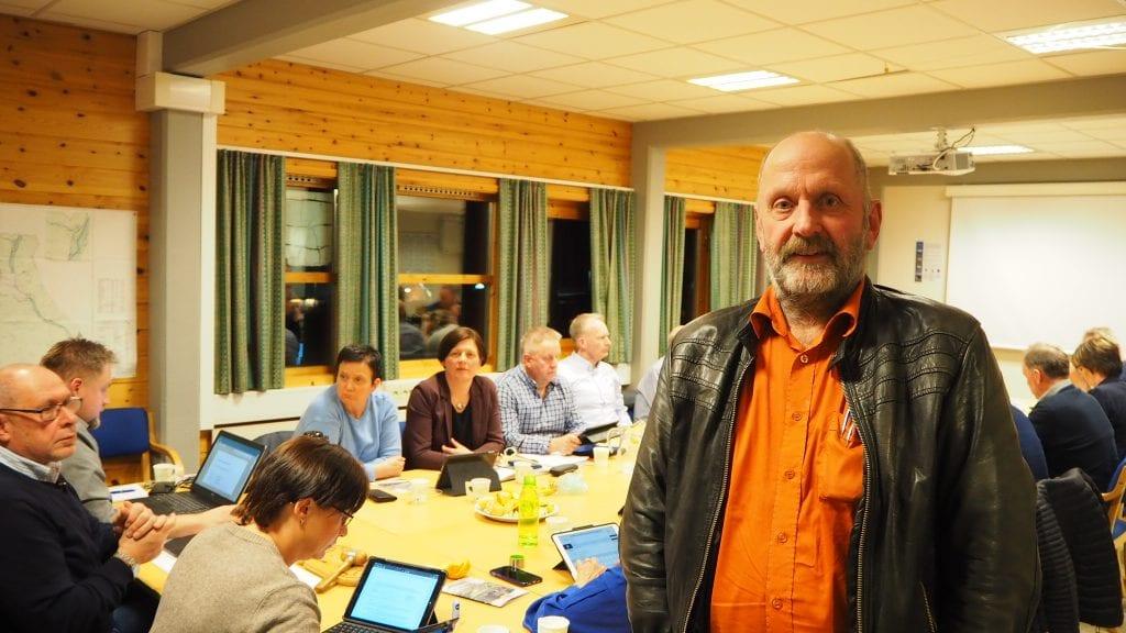 100% ALVDØL: - Når jeg har et enstemmig kommunestyre bak meg er jeg vel 100 % alvdøl, sier Erik Tangen. Foto: Audun Jøstensen Lutnæs
