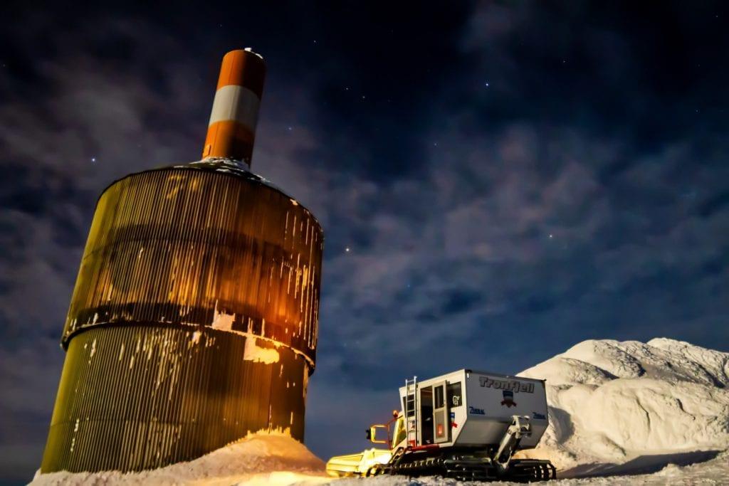 FINT MÅNESKINN: For de som tok turen til Tronfjell ble det en koselig atmosfære med fullmåne. Foto: Stefan Johanson.
