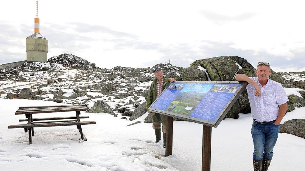 STORE PLANER: Jan Inge Gjermundshaug og Jarle Tronslien vil sørge for gode opplevelser på toppen av Tronfjell. Foto: Ivar Thoresen