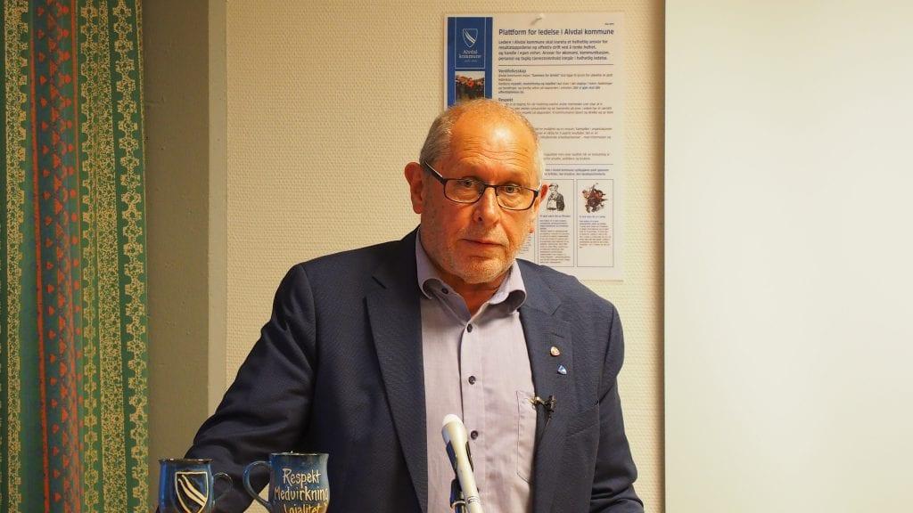 UENIG: Ordfører Johnny Hagen var blant de som konkluderte med at man må være enig om å være uenig i AMU-saken. Foto: Audun Jøstensen Lutnæs