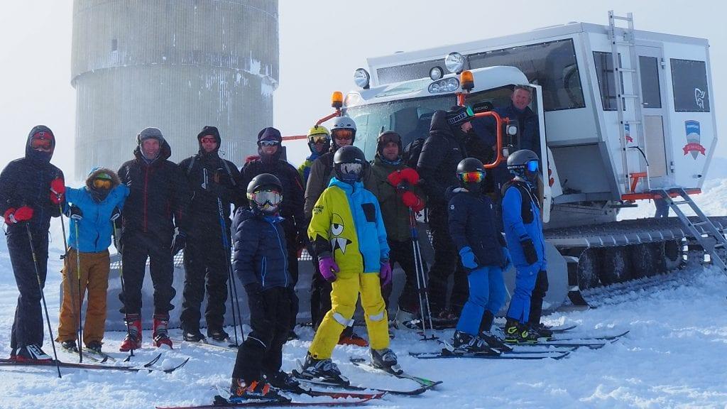OPP OG NED: Beltevogn opp, ski ned, er det nye tilbudet Tronfjell Opplevelser har lansert i vinter. Det er allerede blitt svært populært. Foto: Audun Jøstensen Lutnæs