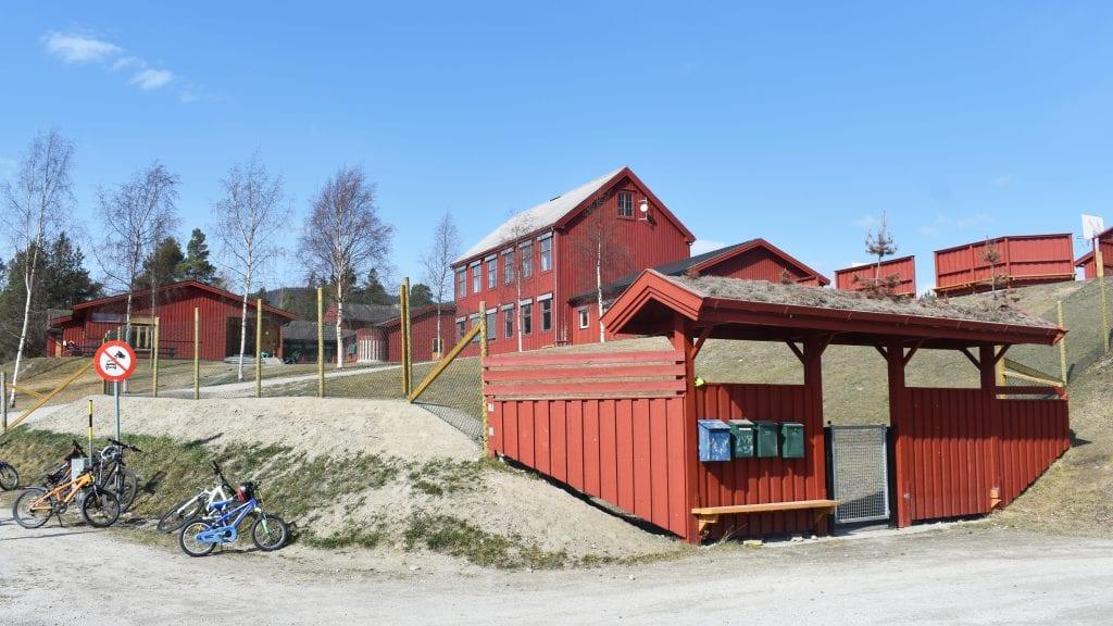 FRA SKOLE TIL BARNEHAGE: Hele Plassen skole blir forbeholdt bruk som barnehage i fremtiden. Foto: Torstein Sagbakken.