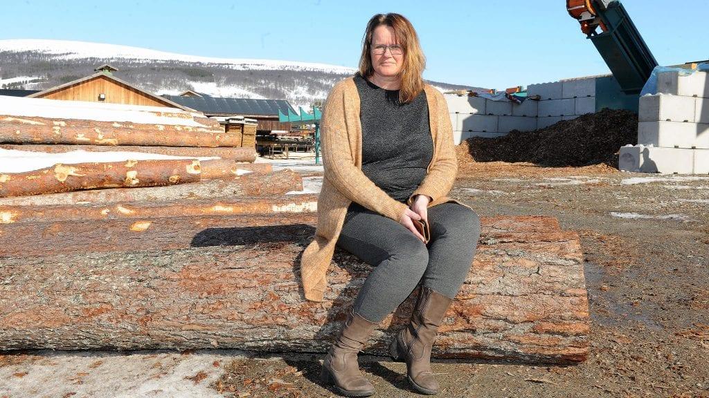 OVERSKUDD: Administrerende direktør i Alvdal Skurlag, Berit Nordseth Moen, vil være fornøyd med at bedriften har tredoblet driftsresultatet fra 2017. Foto: Ivar Thoresen