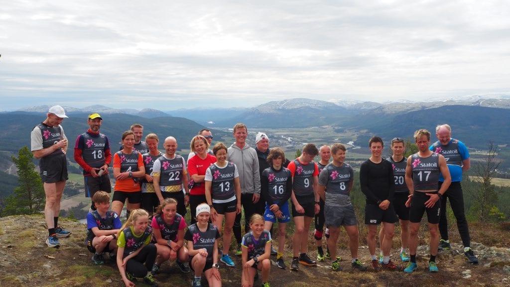 GOD DELTAKELSE: Totalt 26 deltakere brynet seg på motbakkeløpet opp til Sten. Foto: Audun Jøstensen Lutnæs
