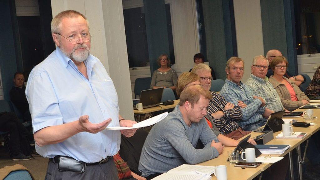 Stein Tronsmoen spør om kommunenes utgifter til trafikkdirigering. Arkivbilde
